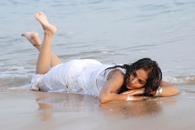 madhavi latha new beach actress pics