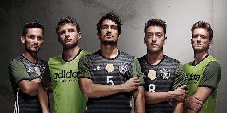 germany-euro-2016-away-kit-12.jpg