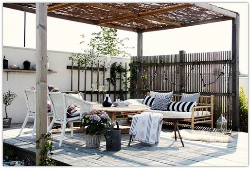 Boho deco chic 1 terraza de fibras naturales con blanco y for Terraza chill out
