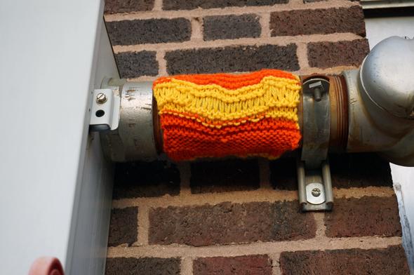 aaron bumgarner yarn bomb
