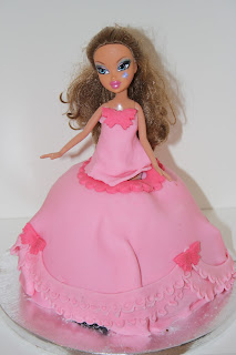 Barbie doll Bratz princess cake