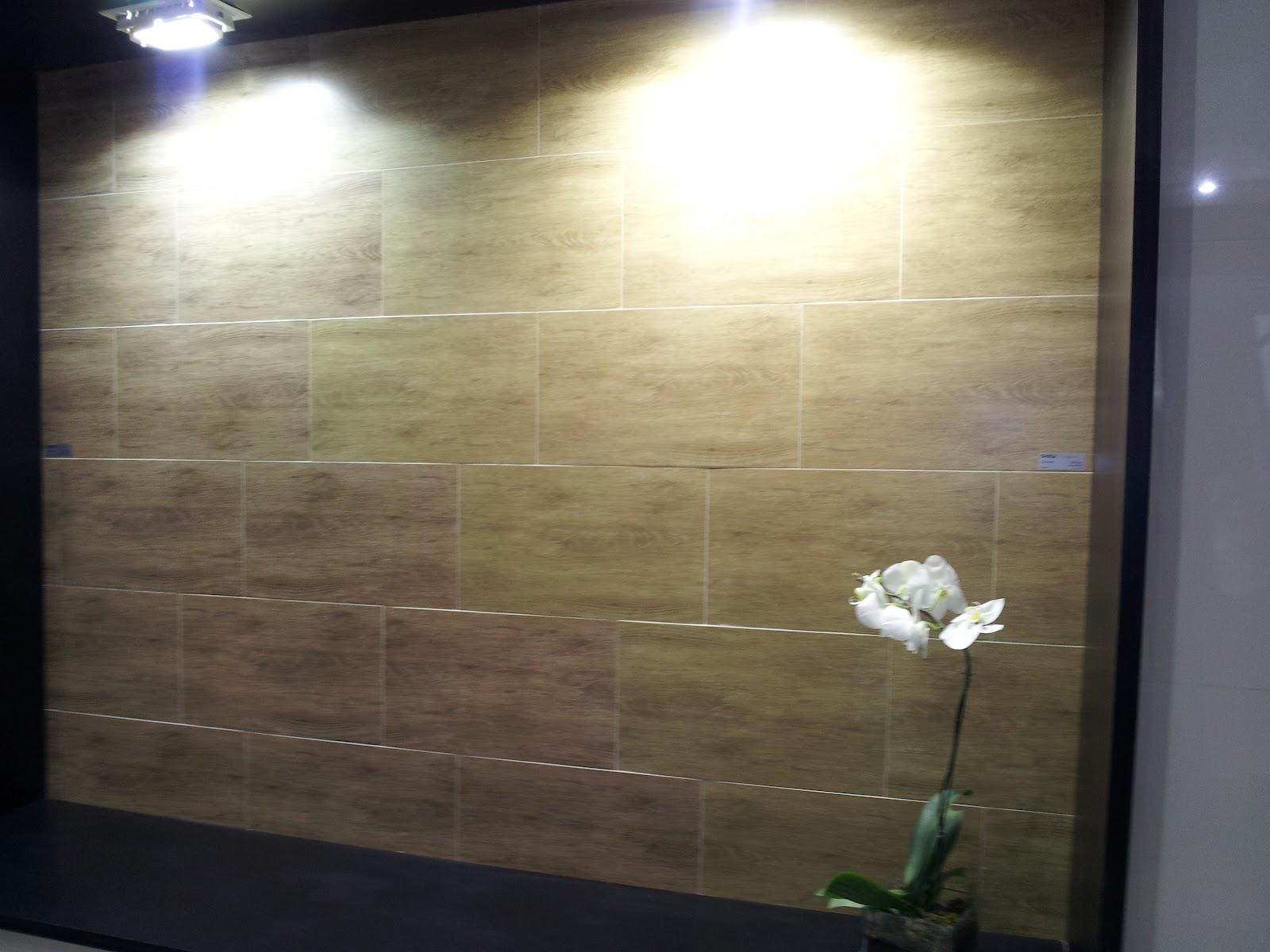 Imagens de #898042 MARQUEIRO REPRESENTAÇÕES: Porcelanatos 31x54 Retificados Amadeirados 1600x1200 px 3510 Blindex Fosco Banheiro