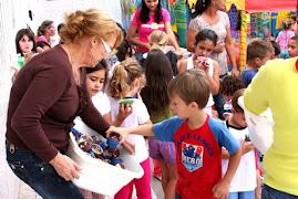trabalho voluntário Bombando Brinque:Dia de lazer interage crianças do Centro de Educação Infantil