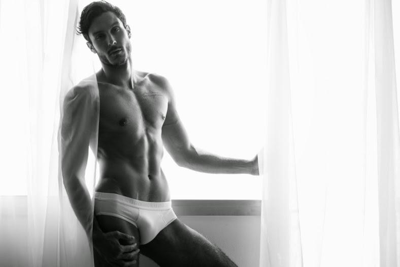 Francisco Louzada naked