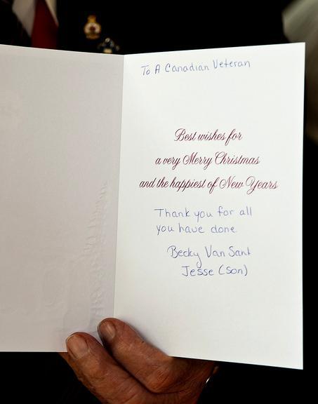 Thankasoldier: Veteran Sneaks a Peek at Christmas Card