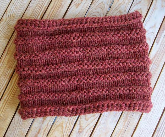 ... Pattern & Tutorial - A Knitted Neckwarmer with a Unique Crochet Twist