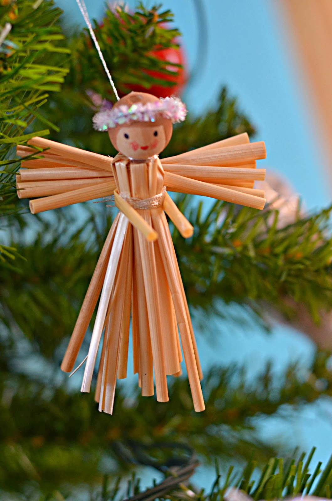 Twig and Toadstool: Simple Straw Angels for Straw Lantern  300lyp