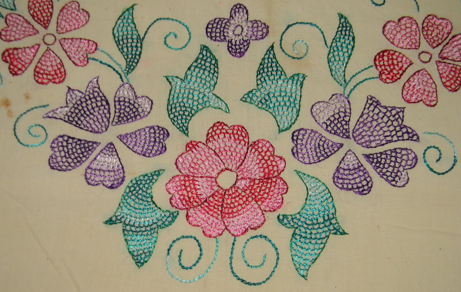 Outline embroidery designs for tablecloth - Hand Stitch Embroidery Patterns Free Embroidery Patterns