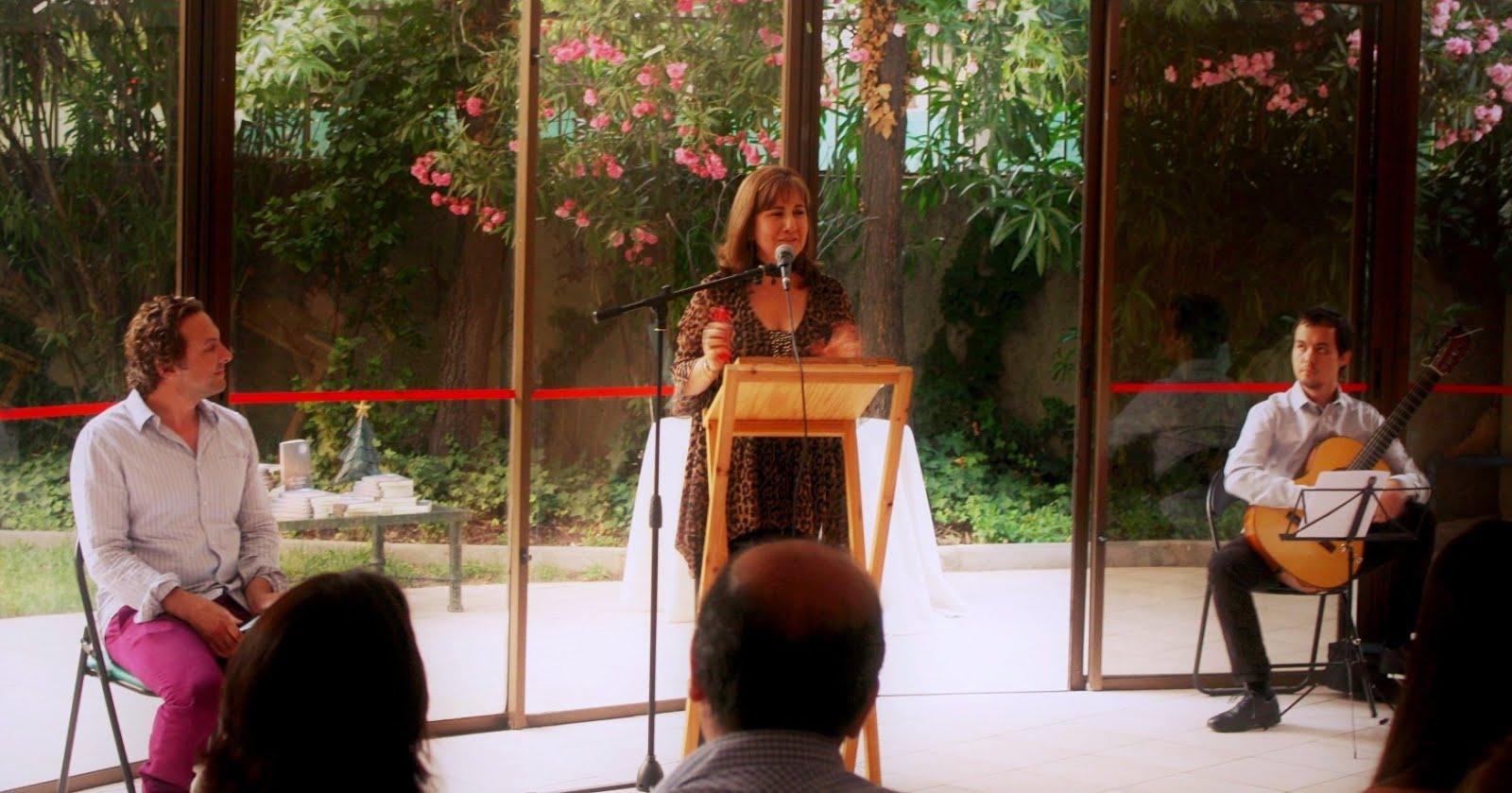 """Maravillosa presentación de """"Mil ocasos, una luna"""", mi primer libro."""