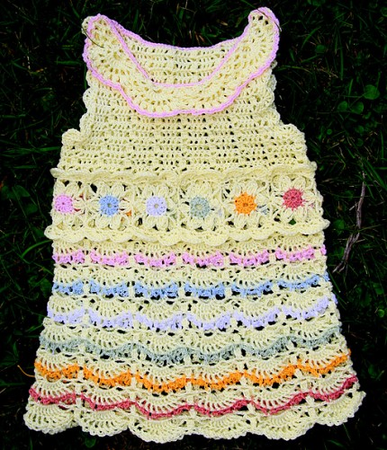 Baby Girl Dress with Tender Flowers - Free Pattern
