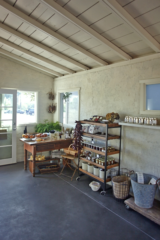 Parkside Bakery in Stinson Beach, photos by Julia Spiess