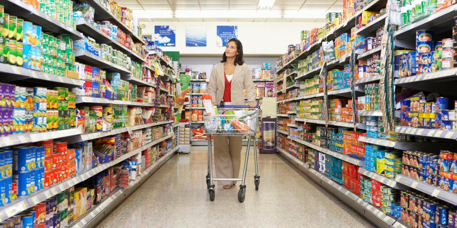ΔΕΙΤΕ ποιο μεγάλο σούπερ μάρκετ πλήρωσε μετρητοίς τους εργαζόμενους!