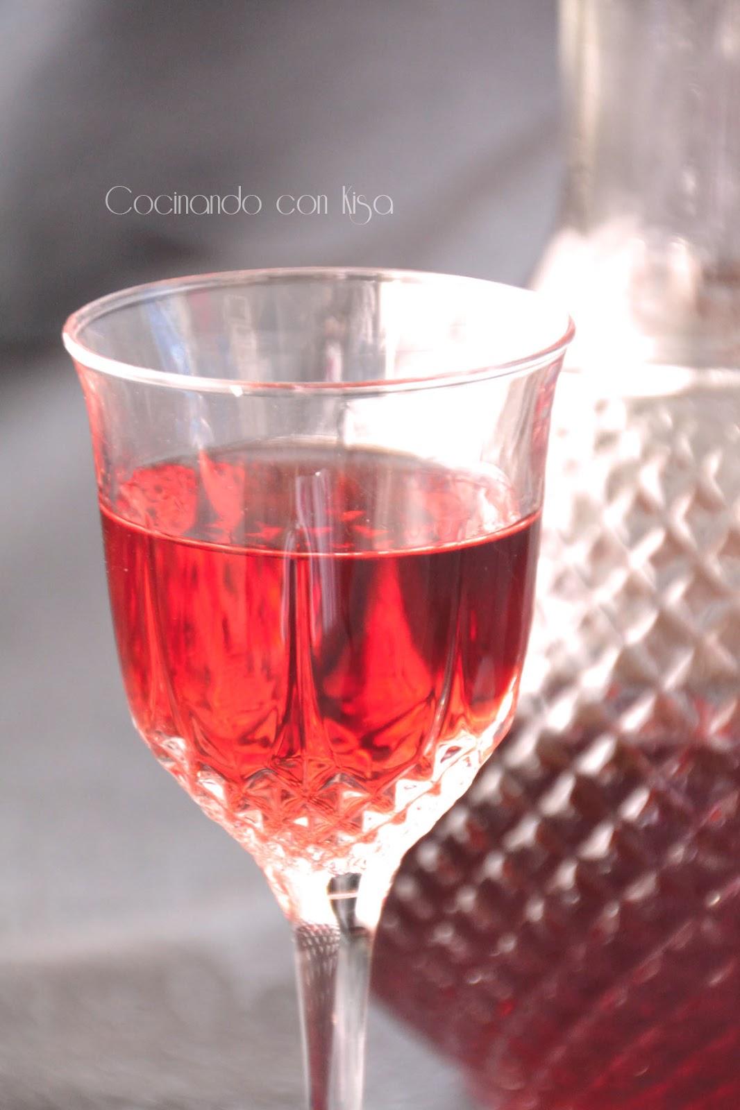 Cocinando con kisa licor de fresas forma tradicional for Cocinando con kisa