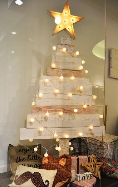 Arbol de navidad reciclado decorar tu casa es - Ideas originales decoracion navidad ...