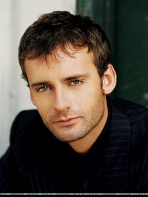 Callum Blue shirtless 1 «Cyber sex chat rooms free»