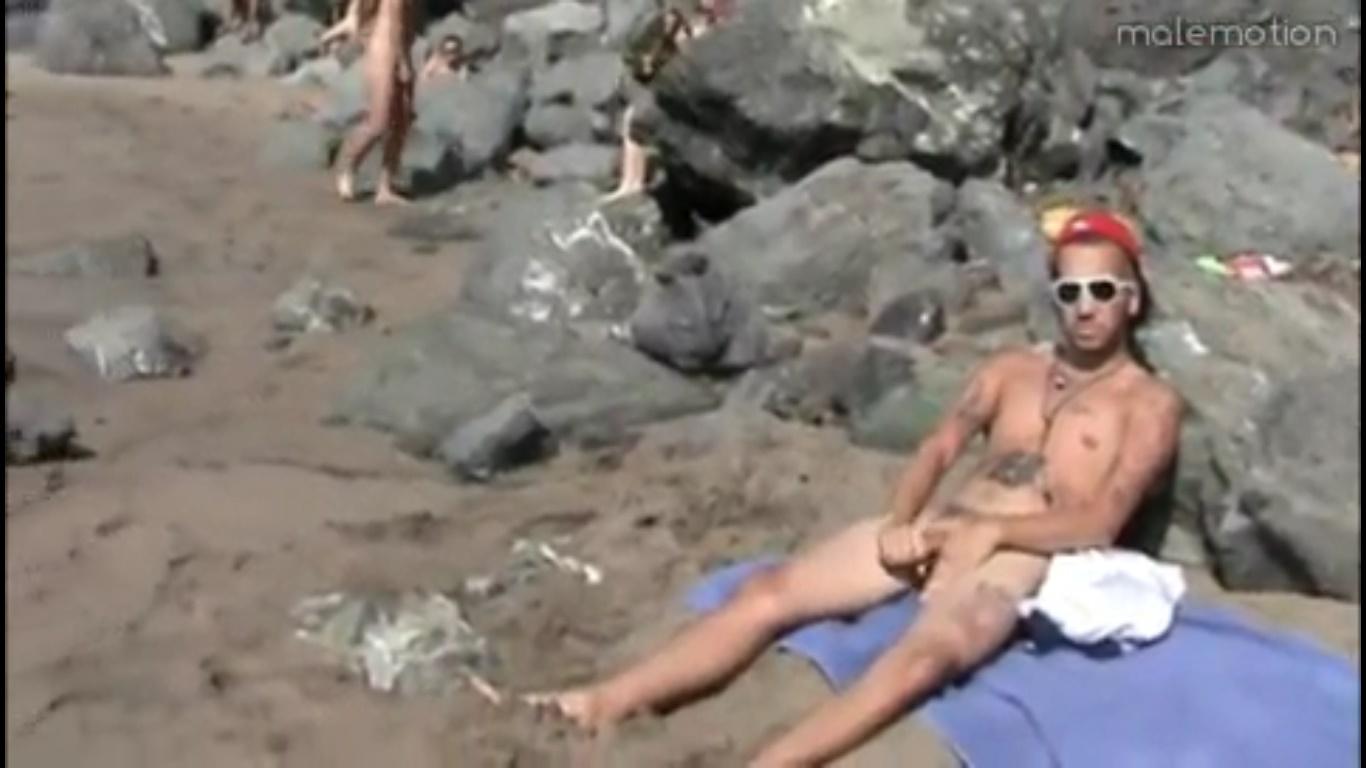 touze gay paris baise à la plage