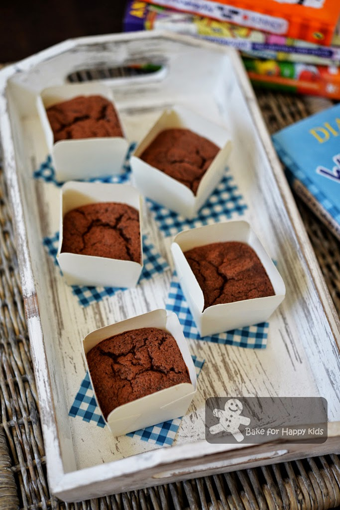 chocolate banana chiffon cupcakes