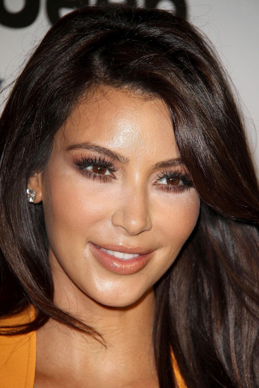 http://4.bp.blogspot.com/-B00seqMoSlk/T5WhEt67oTI/AAAAAAAAH8o/k9so3fG8lKU/s1600/Kim-Kardashian-Power-Foward-Partnership-Event-6b.jpg