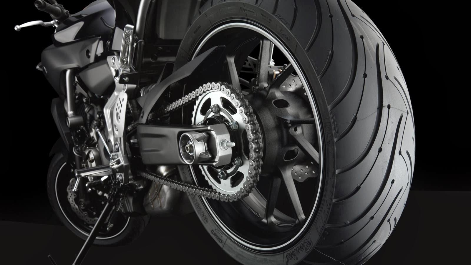 jornal do motociclista yamaha mt 07 2014 a surpreendente bicil ndrica de 690cc. Black Bedroom Furniture Sets. Home Design Ideas