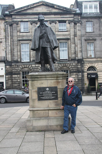 Bob Stek and Sherlock Holmes in Edinburgh