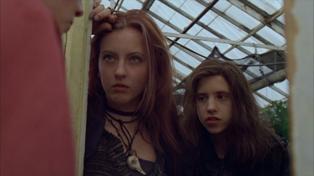 Ginger and Brigitte Fitzgerald in GINGER SNAPS