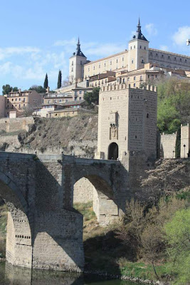 Alcántara bridge and Alcázar of Toledo