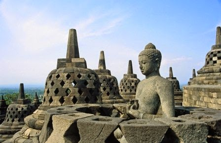 Candi Borobudur : tempat wisata di jawa yang paling terkenal