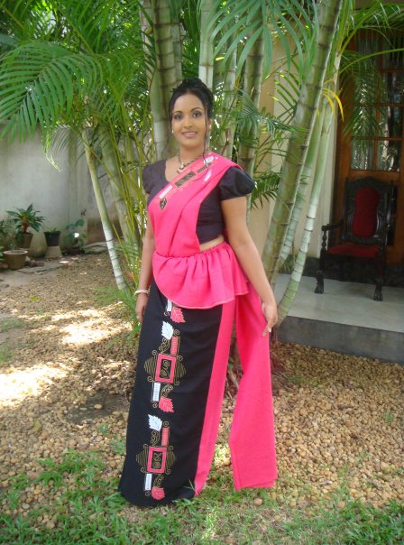 Sri Lankan Traditional Kandyan Saree Designs Sunalie Ratnayake