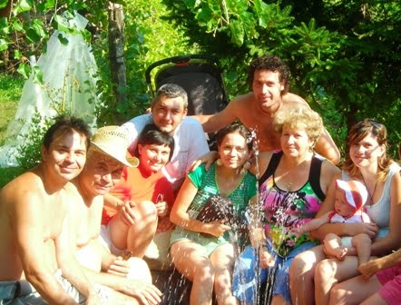 La Armasoaia, in piscina cu toata familia Doboseru...