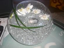 Skål med vattenpärlor och orchideklockor - vackert!