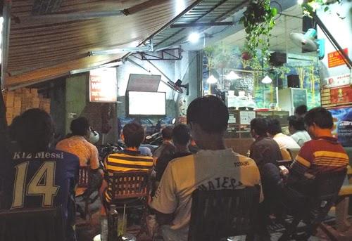 http://luong1950.blogspot.com/2014/06/10-nu-phong-vien-thao-xinh-dep-world.html