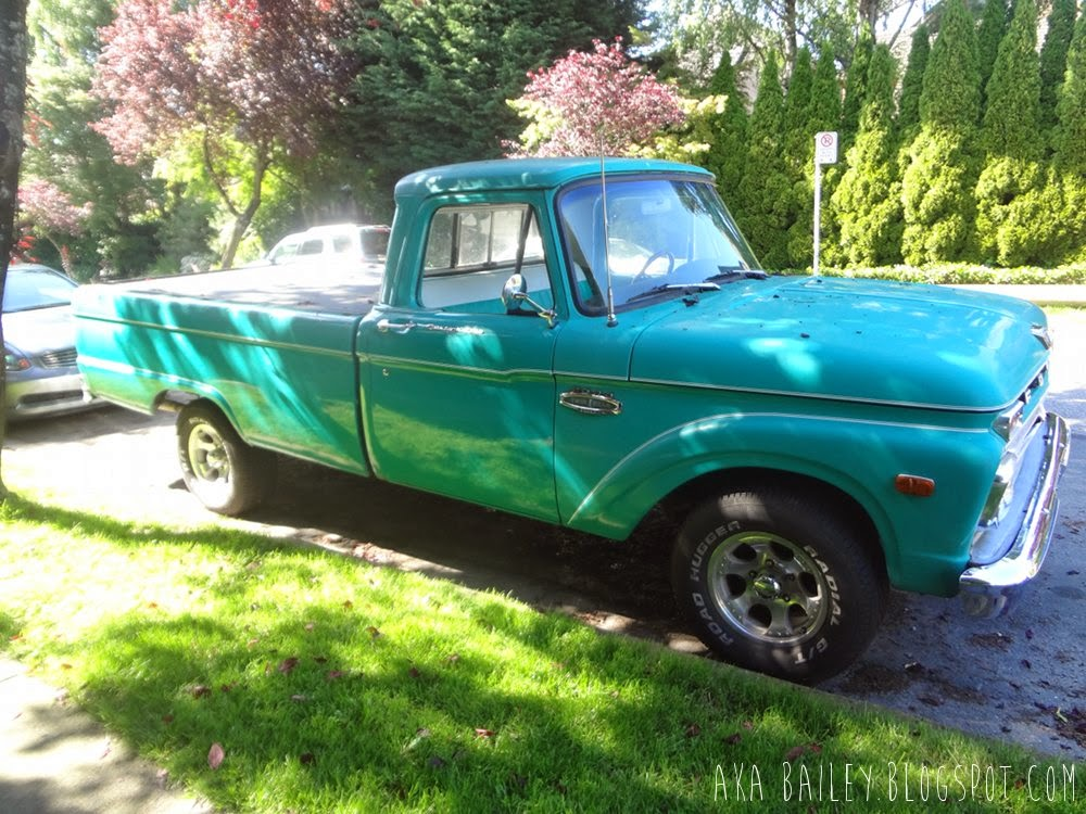 Old Ford truck, turquoise