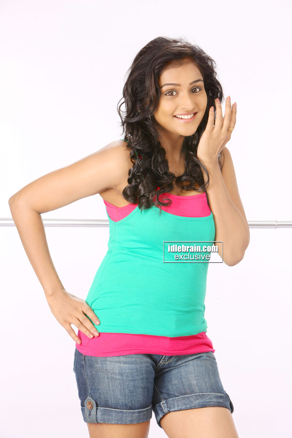 Ramya Krishnan Hot In Short Clothes New Full HD Pictures