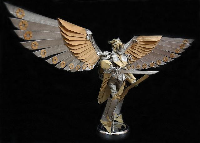 As intricadas e detalhadas criações em Origami de Tran Trung Hieu