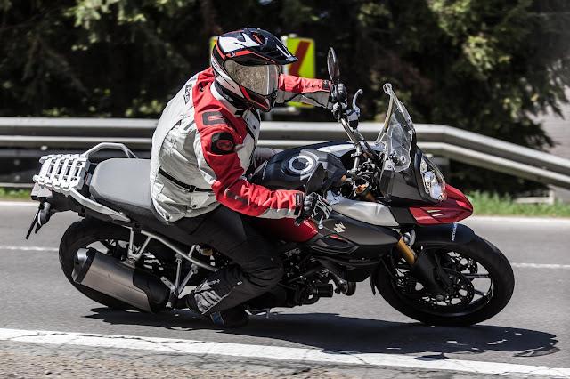 Duel KTM 1050 Adventure vs. Suzuki V-Strom 1000