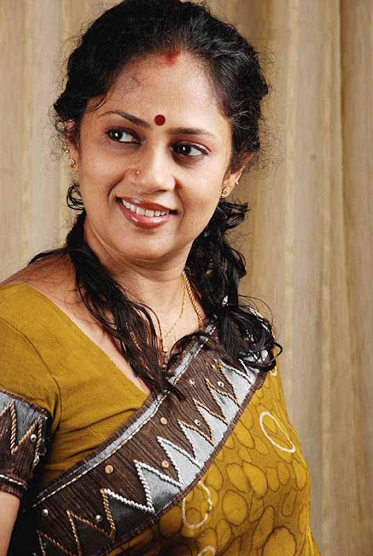 Lakshmi Ramakrishnan South Old Mallu Aunty Latest PicsPhotos Photoshoot images