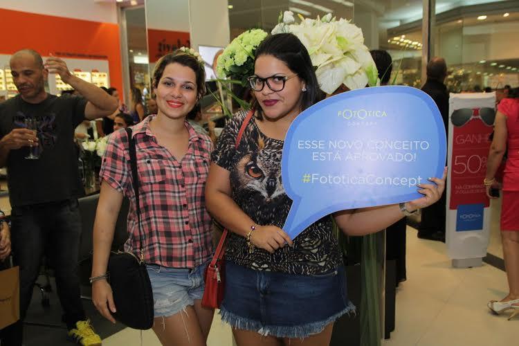 Com coquetel assinado pelo Buffet Mignon e trilha sonora moderninha da DJ  Renata Dias, o comentário geral era sobre a grande variedade de óculos e  armações ... 9752758f85