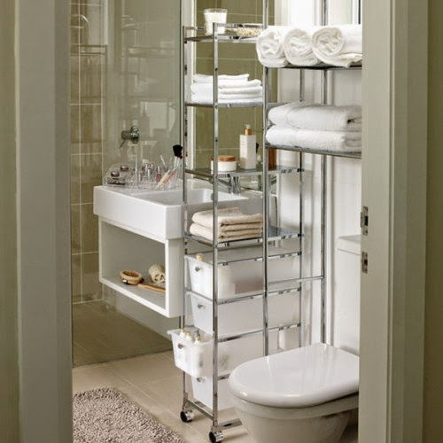 31 creative storage ideas for a small bathroom diy craft for Unique small bathroom designs