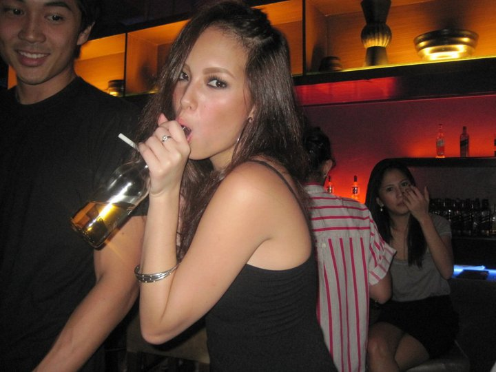 ellen adarna sexy tongue photos 03
