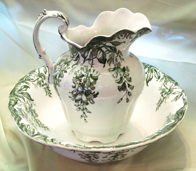 Custom Antiques Sideboard Butterfly Tray Wash Basin Set