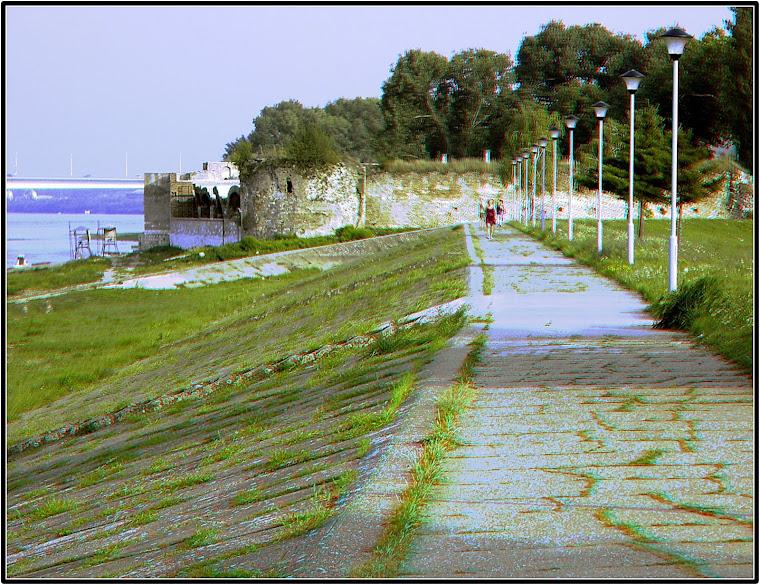 Šetalište, uzvodno od Starog grada