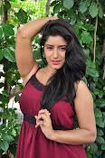 manisha thakur latest sizzling pics-thumbnail-31