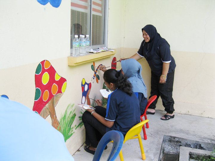 Tabika perpaduan kampung tengah lembah gotong royong mural for Mural untuk kanak kanak