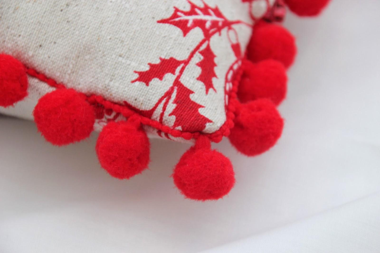 Diy navidad c mo hacer cojines para decorar tu casa en - Como hacer motivos navidenos ...