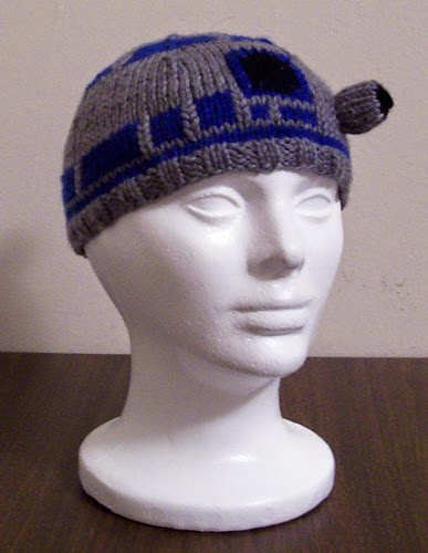 Knitting Pattern For R2d2 Hat : Nerd Fashion - Nerdy Knitting Patterns explodedsoda