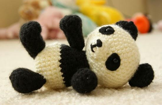 Panda En Amigurumi : Patrones Amigurumi: Pablo, el panda jugueton