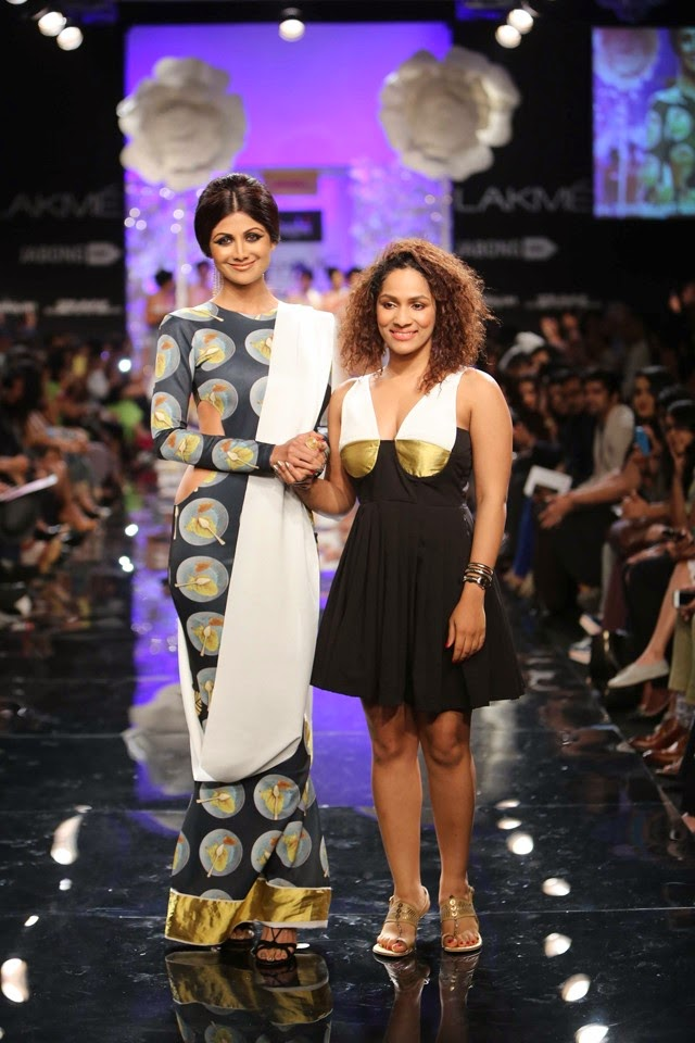 Shilpa Shetty dazzle at exotic opening night at Lakmé Fashion Week winter/festive 2014