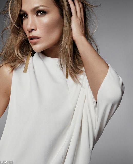 Jennifer López dice que su rutina es intensa en los ensayos para su show en Las Vegas.