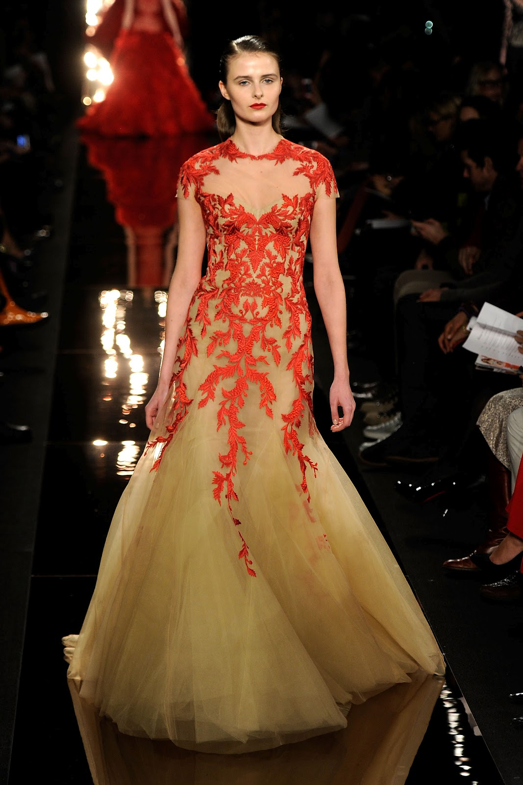 http://4.bp.blogspot.com/-B2h_pV28Q3c/Tzfm_IpmT5I/AAAAAAAAEkE/ymip8AWaKvo/s1600/Monique+Lhuillier+New+York+Fashion+Wek+Fall+2012.jpg
