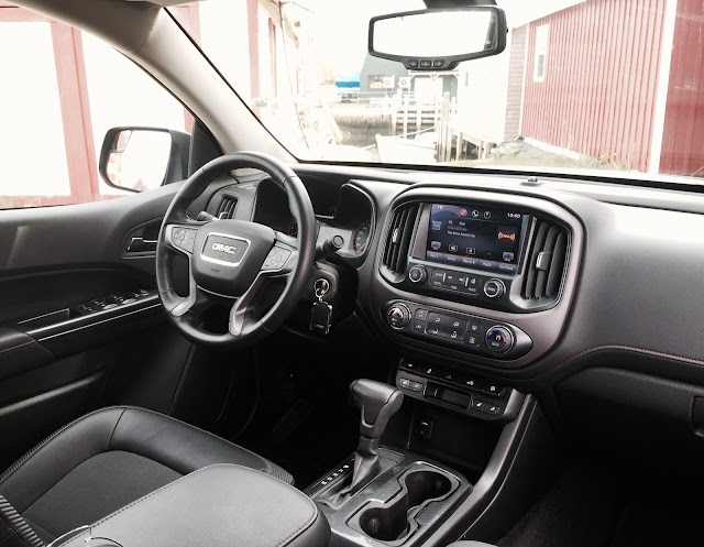 2015 GMC Canyon SLE interior